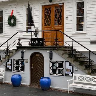 Referat fra Bailliage de Sørlandets Dîner Amical på Restaurant Luihn i Kristiansand